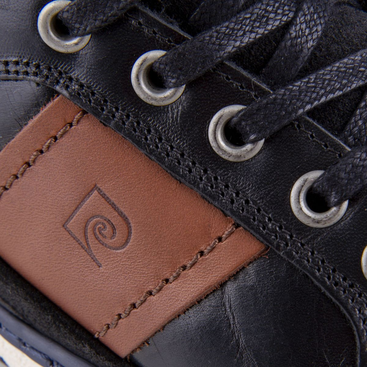 Baskets montantes noires cuir Homme PIERRE CARDIN à prix